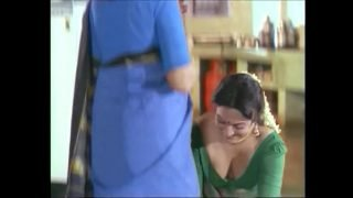 Actress Huge Clevage Show