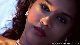Beauty From Bollywood Exotic Babe
