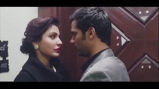 Bollywood actress hot kiss