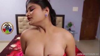 desimasala.co – Sashi aunty huge boob grabbed and enjoyed
