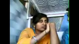 VID-20071207-PV0001-Nagpur (IM) Hindi 28 yrs old unmarried girl Veena kissing (Liplock) her 29 yrs old unmarried lover Sanjay at tea shop sex porn video